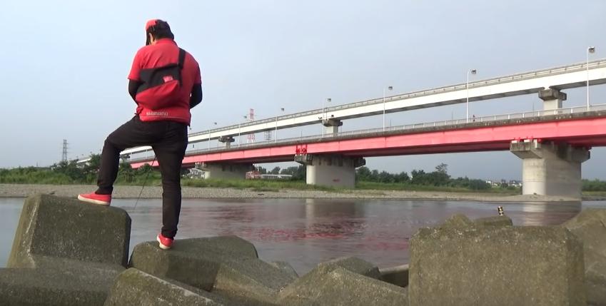 【多摩川 冬のバス釣り】川スモールのポイント 立日橋(たっぴばし)
